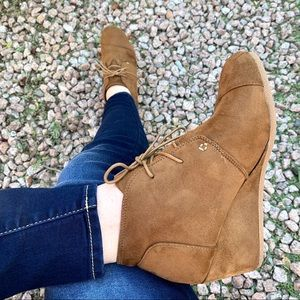 New Vegan Suede Brown Tan Lace Up Wedges Booties